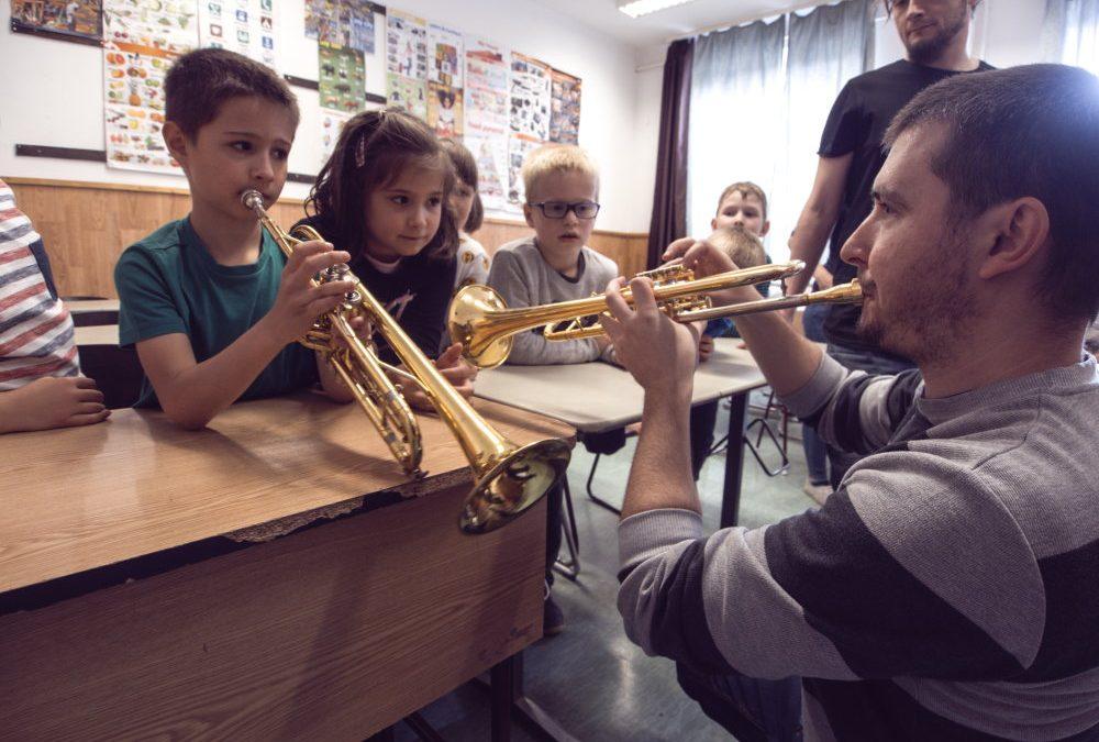 Flashmob és hangszerbemutató a Kovács Béla Általános Iskolában
