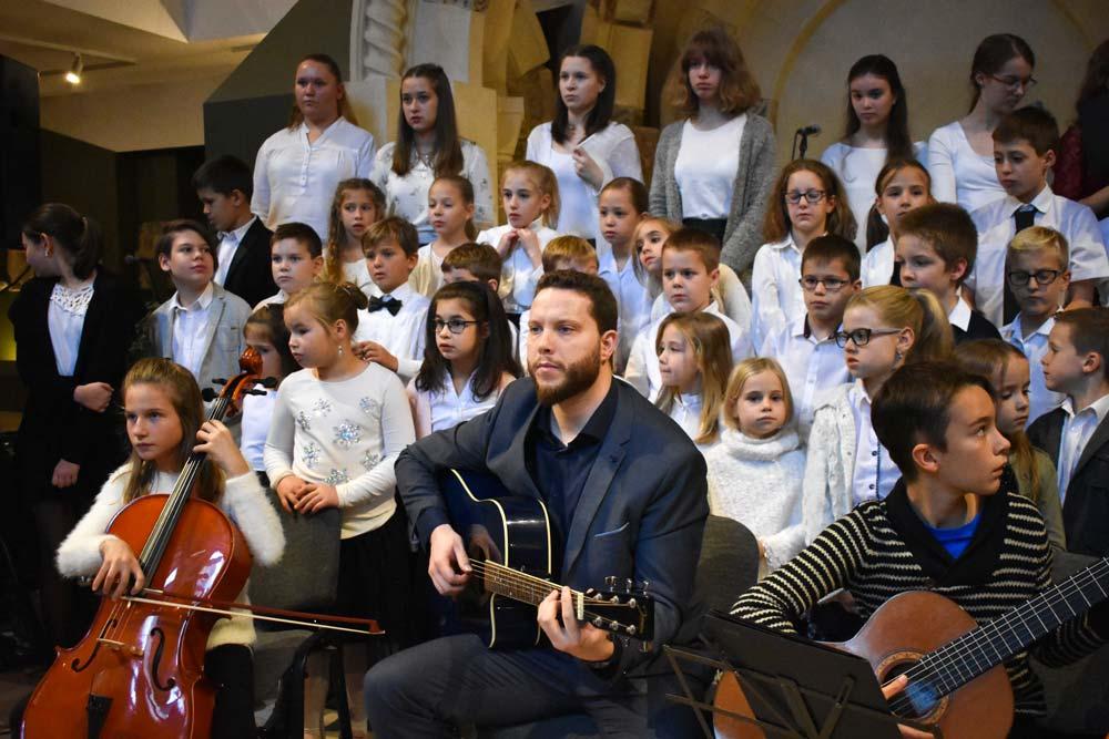 Tanári és tanítványi Adventi hangverseny a Pécsi Dóm Kőtárban