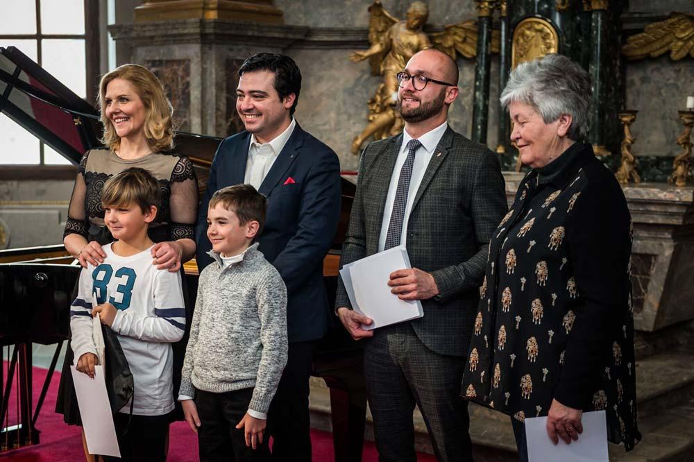 Ezüst oklevelet szerzett Egerben két zongorista